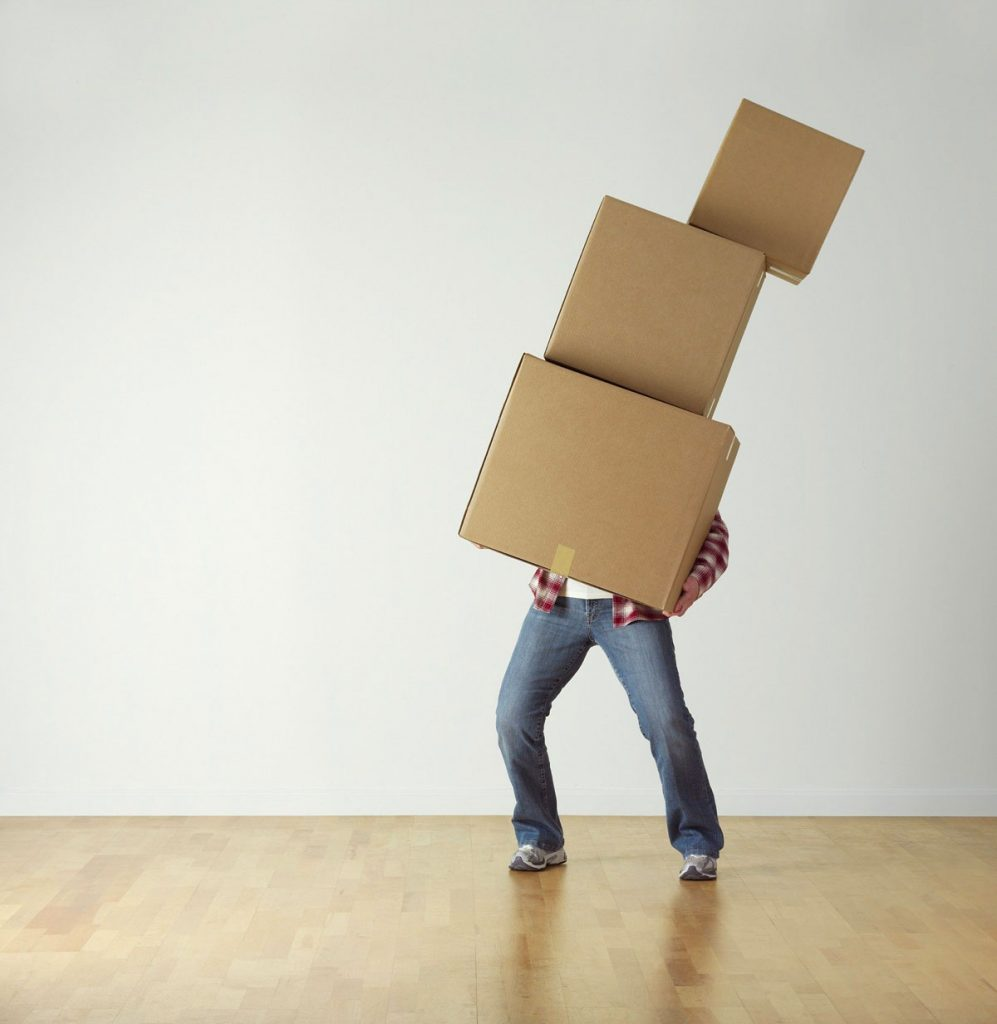 Quelles sont les astuces et erreurs à considérer pour réussir un déménagement?